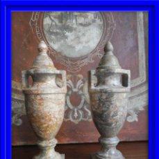 Antigüedades: PAREJA DE COPAS DE MARMOL CON TAPA CON FORMAS NEOCLASICAS. Lote 186081755