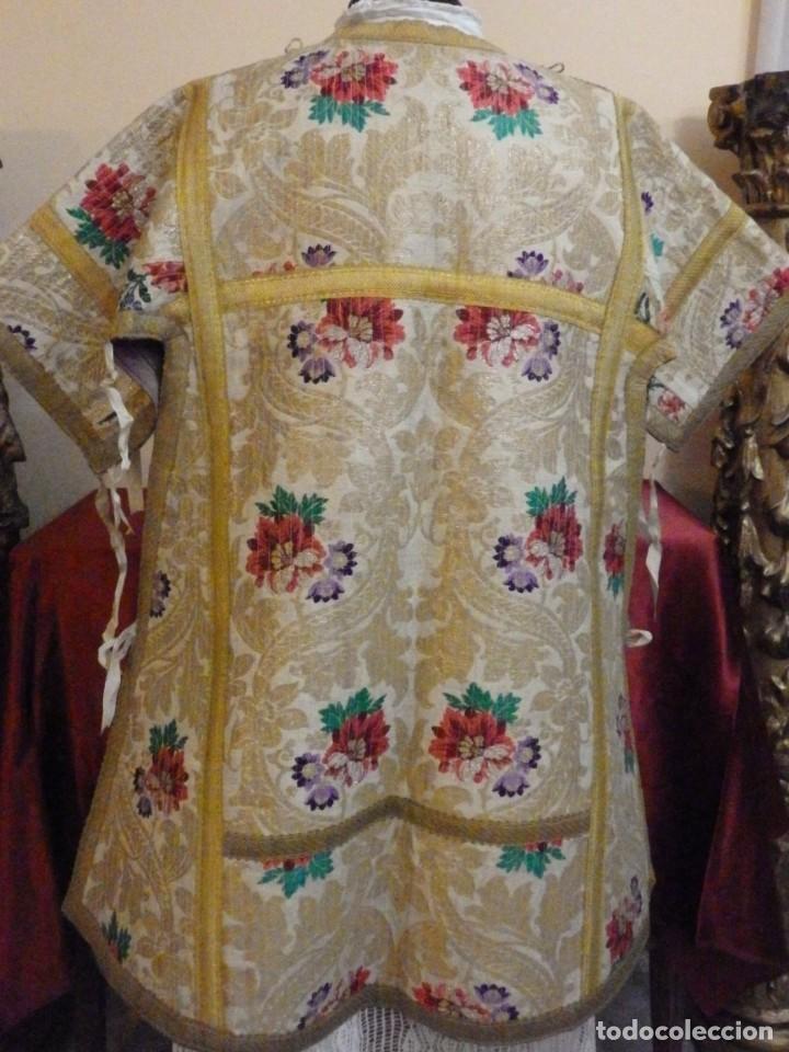 Antigüedades: Pareja de dalmáticas confeccionadas en seda brocada con oro y otras sedas. S. XIX. - Foto 27 - 183208772