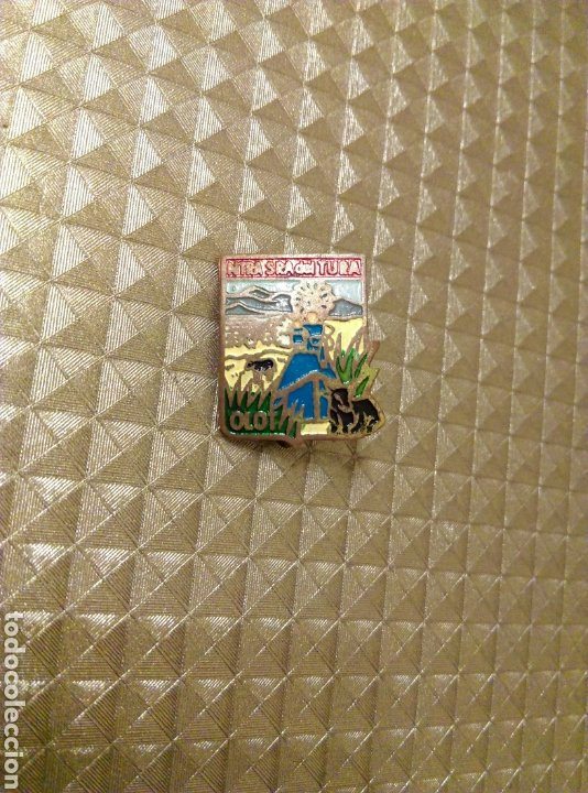 Antigüedades: Insignia de aguja no pin Olot Ntra Sra del Tura - Foto 2 - 186109995