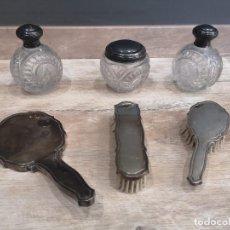 Antigüedades: JUEGO DE TOCADOR EN PLATA DE LEY 925 PUNZONADA 6 PIEZAS. Lote 186141958