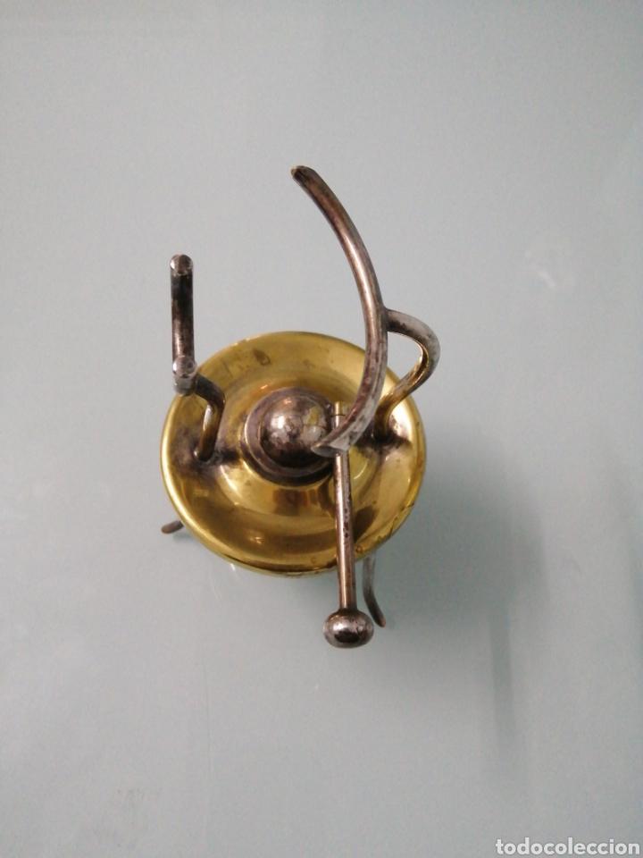 Antigüedades: ANTIGUO CALIENTA COPAS METAL PLATEADO. NUNCA USADO: SIN ZONA DE QUEMADO. - Foto 2 - 186149431