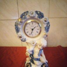 Antigüedades: BONITO RELOJ LANDEX BRONCE EN PORCELANA FINA SIGLO XIX JAPAN METALES PRECIOSOS ORO. Lote 186166031