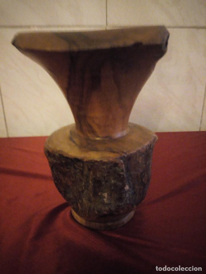 Antigüedades: Precioso jarrón tallado en madera teca de raíz - Foto 5 - 186171278