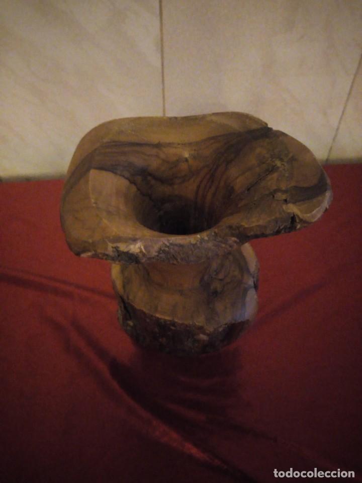 Antigüedades: Precioso jarrón tallado en madera teca de raíz - Foto 8 - 186171278