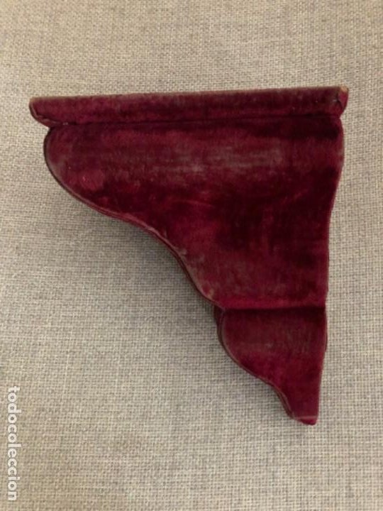 Antigüedades: Antigua peana o mensula de madera y terciopelo. Ideal capilla o altar. Imagen religiosa. S.XVIII - Foto 2 - 186200195
