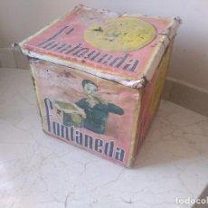 Antigüedades: IMPRESIONANTE CAJA MUY ANTIGUA Y GRANDE DE GALLETAS FONTANEDA 25X25X25 CMS. Lote 186221008