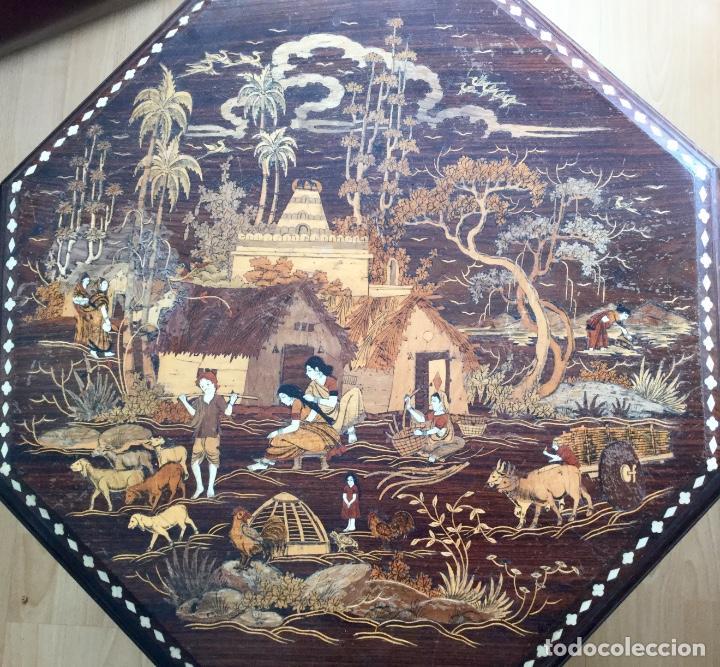 ANTIGUA MESA OCTOGONAL INDIA CON MARQUETERÍA E INCRUSTACIONES (Antigüedades - Muebles Antiguos - Mesas Antiguas)