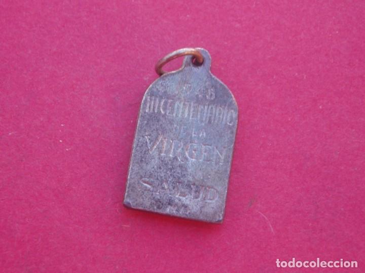 Antigüedades: Medalla III Centenario Virgen de la Salud. Onil. Alicante. Año 1948 - Foto 2 - 186259885