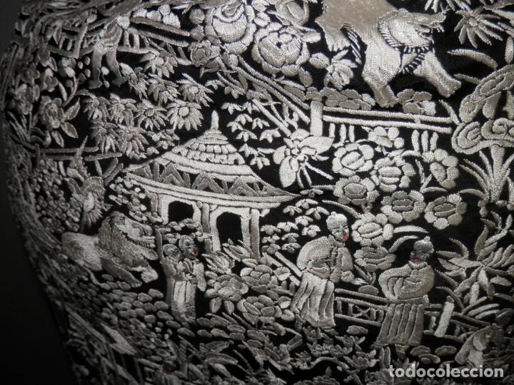 Antigüedades: ANTIGUO MANTON DE MANILA, BORDADO A MANO, MOTIVOS CHINESCOS, BUEN ESTADO - Foto 18 - 186273320