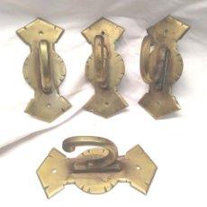 Antigüedades: COLGADOR PERCHA SOPORTE CORTINA TAPIZ EN BRONCE AÑOS 20, BUEN ESTADO. MED. 6 X 13,50 X 6 CM. Lote 186283012