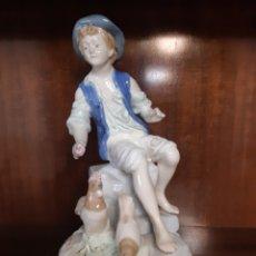 Antigüedades: ANTIGUA FIGURA DE PORCELANA FESA SL. MANISES. ESPAÑA. PORCELANA. Lote 186284942