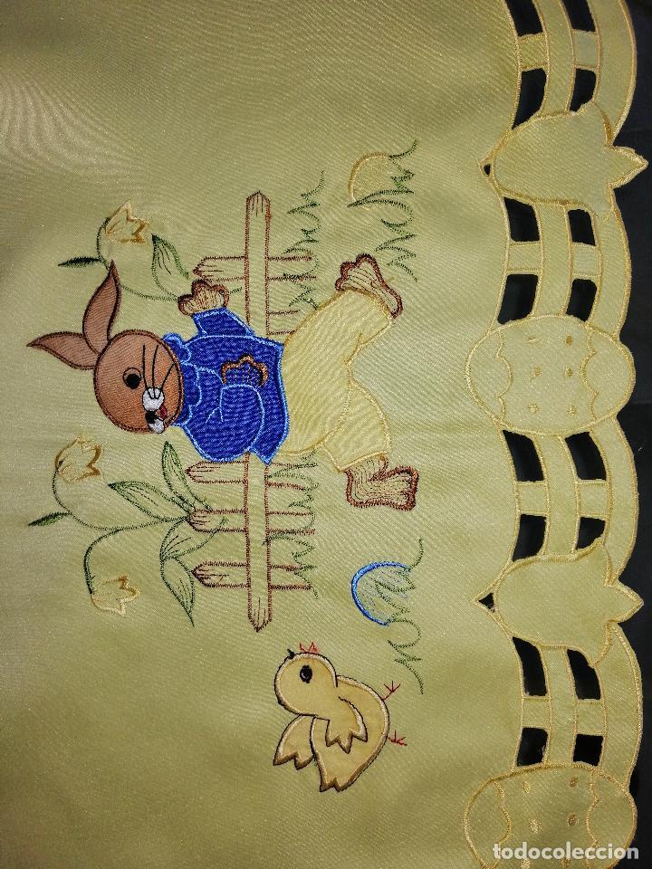 Antigüedades: MANTEL BORDADO CON MOTIVOS INFANTILES 84X84 CM. (VER DETALLE EN FOTOS) - Foto 3 - 186333983