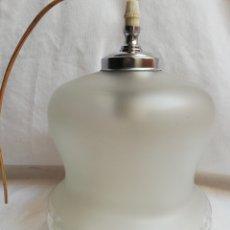Antigüedades: GRAN TULIPA EN CRISTAL SATINADO Y GRABADO. LAMPARA COLGAR. BORDE RIZADO.. Lote 186339048