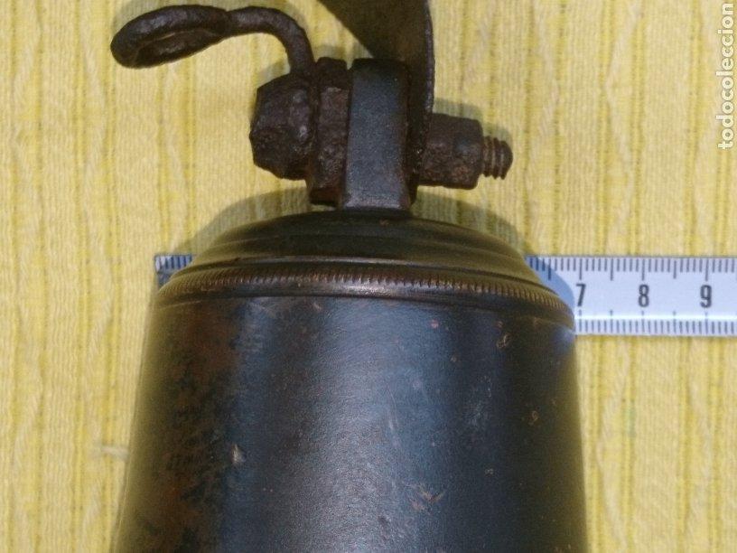 Antigüedades: CAMPANA ANTIGUA BRONCE 11cm DIAMETRO. CUELGA FLEJE FORJA. SONIDO SIN ROTOS NI GRIETAS ACUSTICAS. - Foto 15 - 186343653