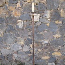Antigüedades: ANTIGUO CANDELABRO - TORCHERO - HIERRO FORJADO - 144 CM ALTURA. Lote 186374537