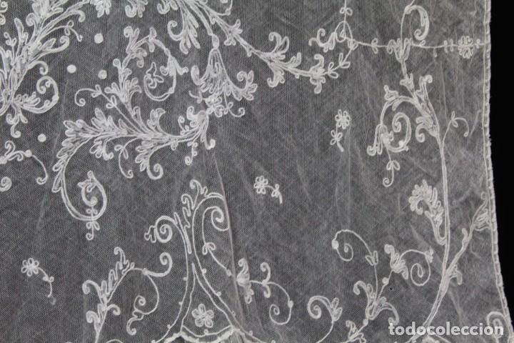 Antigüedades: t4 Preciosa cortina bordada a mano, realce, cadeneta, frivolité- Años 1900 - Foto 4 - 186377342