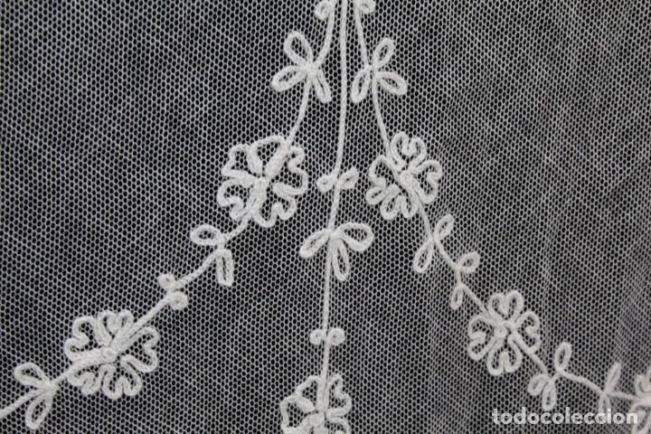Antigüedades: t4 Preciosa cortina bordada a mano, realce, cadeneta, frivolité- Años 1900 - Foto 12 - 186377342