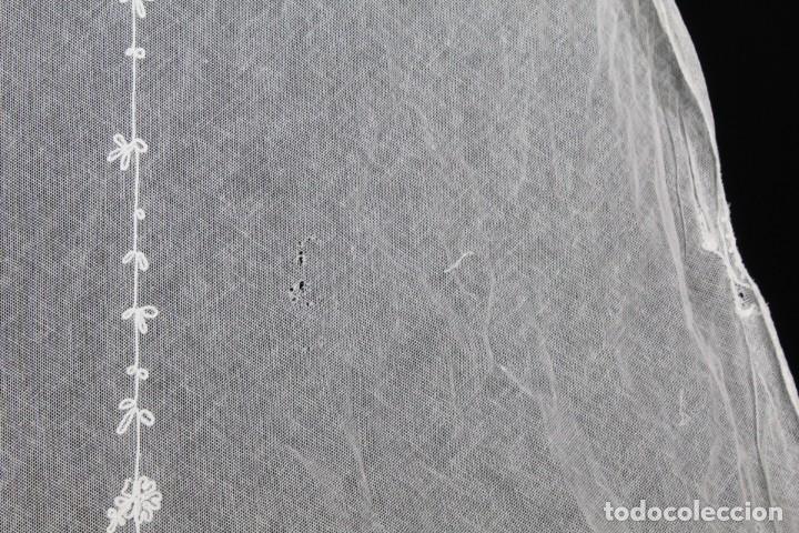 Antigüedades: t4 Preciosa cortina bordada a mano, realce, cadeneta, frivolité- Años 1900 - Foto 13 - 186377342