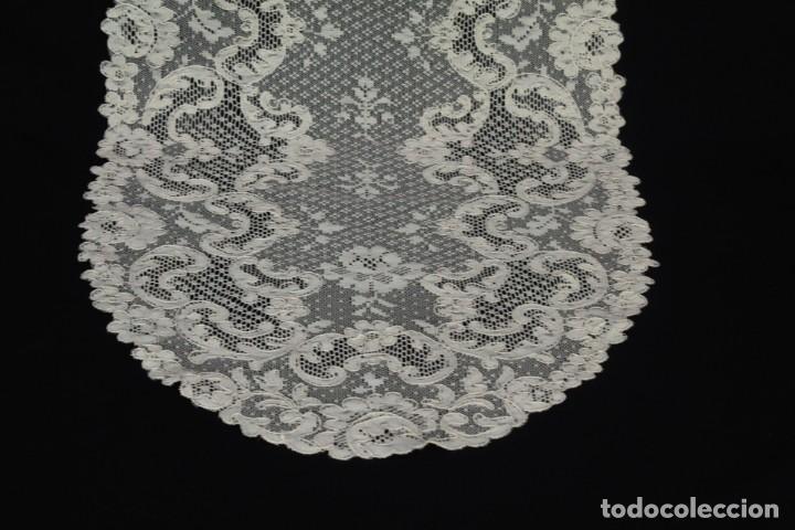 Antigüedades: 452 Tapete de encaje de Alençon color tostado años 1920 - Foto 2 - 186377461