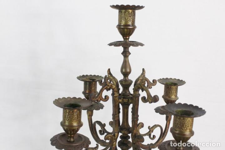 Antigüedades: Maravillosa pareja de candelabros circa 1800, estilo Louis XVI. Bronce, porcelana Sevres. - Foto 6 - 186378606
