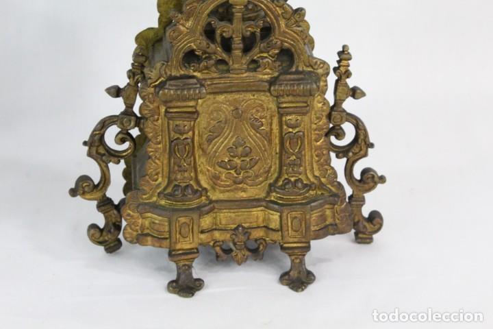 Antigüedades: Maravillosa pareja de candelabros circa 1800, estilo Louis XVI. Bronce, porcelana Sevres. - Foto 10 - 186378606