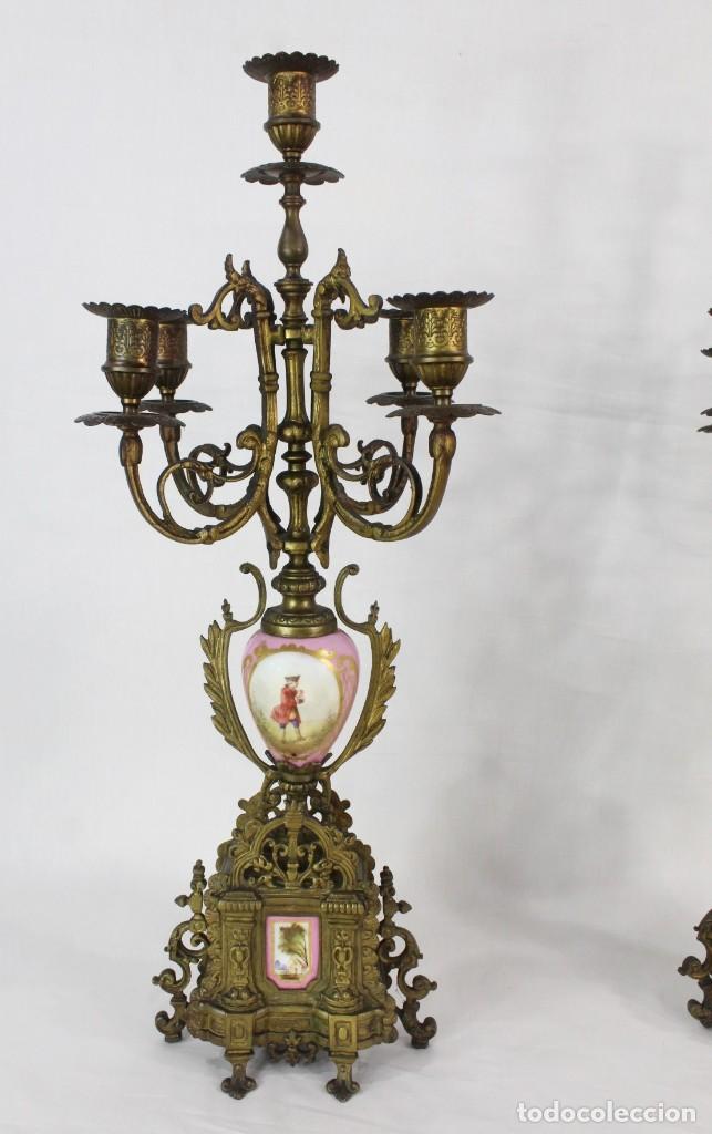 Antigüedades: Maravillosa pareja de candelabros circa 1800, estilo Louis XVI. Bronce, porcelana Sevres. - Foto 11 - 186378606