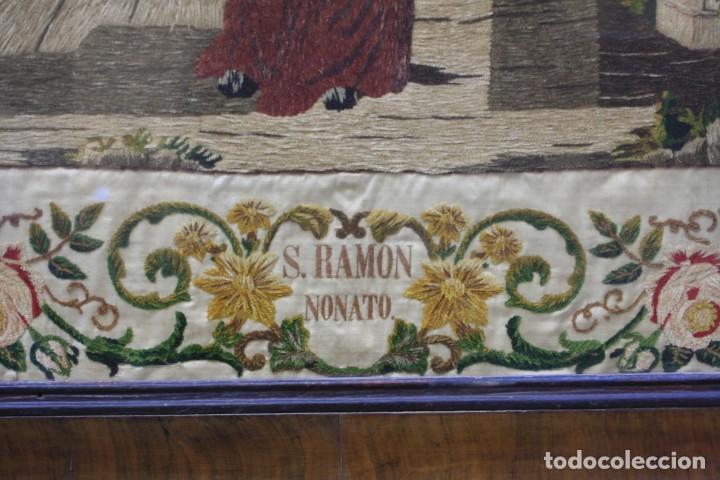 Antigüedades: Bordado de San Ramon Nonato, 1854, con marco de época curvado y de caoba. 77,5x71,5cm - Foto 4 - 186391576