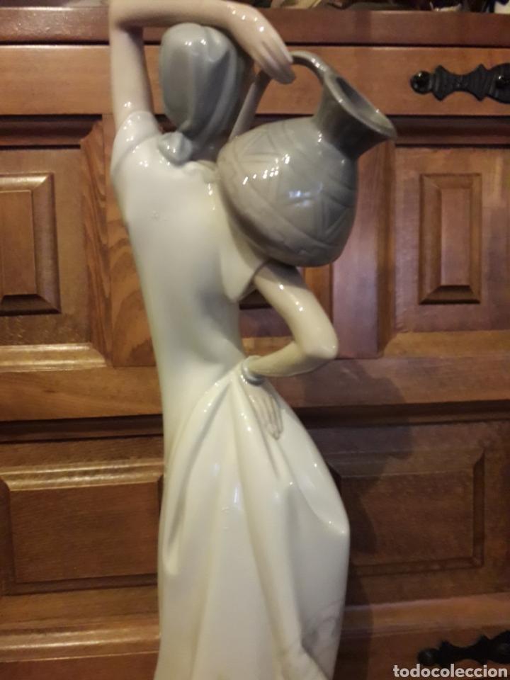 Antigüedades: Antigua figura de porcelana Zaphir de Lladro, mide 36,5 cm de altura - Foto 4 - 186418871