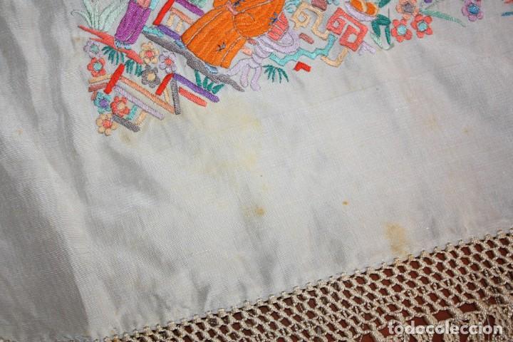 Antigüedades: PRECIOSO MANTÓN CANTONES - SG XIX - MULTITUD DE CHINOS - 1,40 X 1,48 CM. - Foto 18 - 186431261