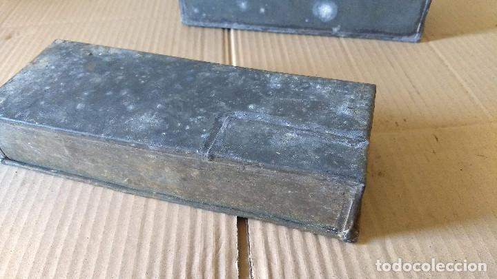 Antigüedades: Dos cajas de Zinc. Incicios del siglo XX - Foto 3 - 186444785