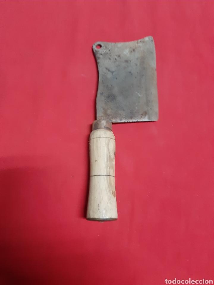 Antigüedades: Antigua hacha de carnicero con mango de madera - Foto 2 - 186448986