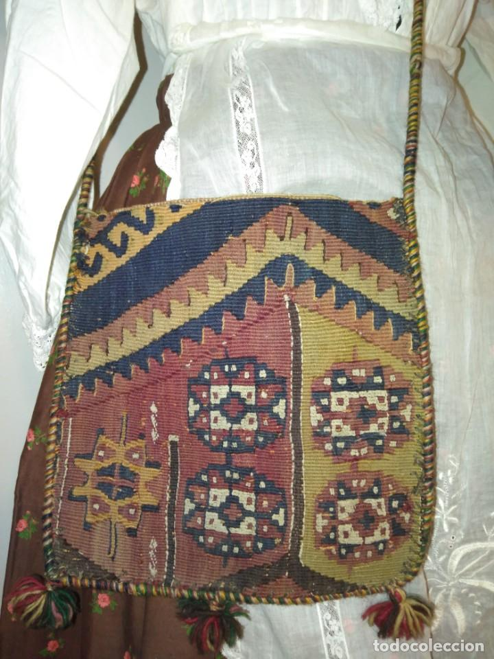 Antigüedades: ANTIGUO BOLSO BORDADO PARA INDUMENTARIA TRADICIONAL - Foto 5 - 186453121