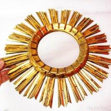 Antigüedades: ESPEJO MIDCENTURY SOL MADERA TALLADA PAN DE ORO ORIGINAL. Lote 186455425