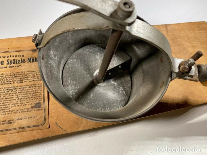 Antigüedades: ANTIGUO MUY RARO RALLADOR MANUAL FABRICADO EN ALEMANIA PERFECTO SIGLO XIX madera hierro cromado - Foto 8 - 186462100