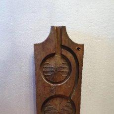 Antigüedades: ENTREMISO (TABLA PARA CURAR LOS QUESOS). Lote 181098760