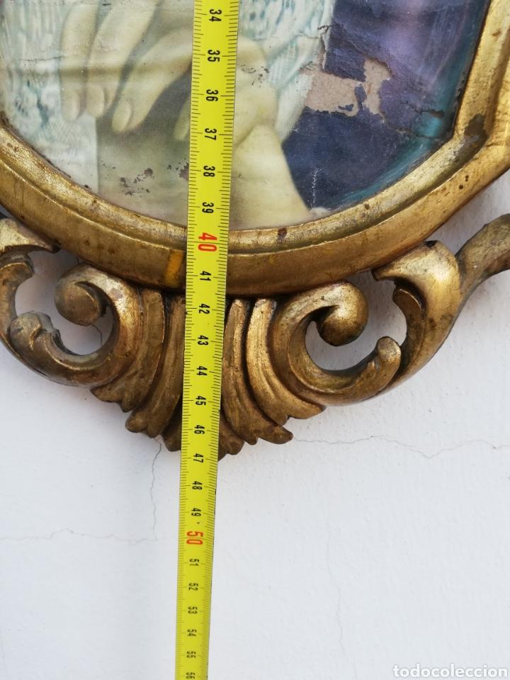 Antigüedades: Muy antiguo marco cornucopia en madera tallada y pan de oro con imagen religiosa hecho a mano - Foto 7 - 186546831