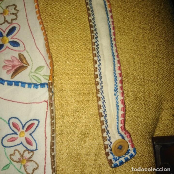 Antigüedades: Antiguo Delantal o mandil bordado a mano de lagartera del siglo xix - Foto 4 - 187110808