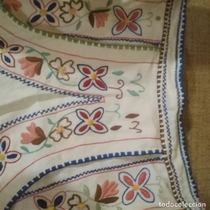 Antigüedades: Antiguo Delantal o mandil bordado a mano de lagartera del siglo xix - Foto 9 - 187110808