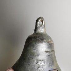 Antigüedades: ORIGINAL CAMPANA SIGLO XVIII TARRAGONA CATALUÑA--CON ESCUDO SIMBOLO RELIEVE..BENDECIDA..GRANDE-. Lote 230960955