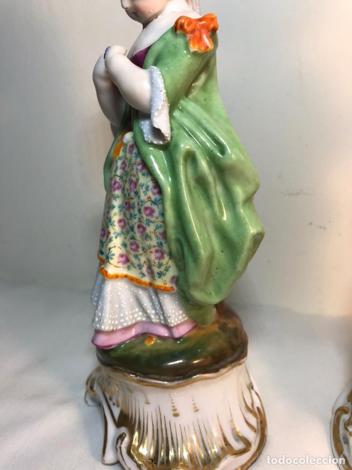 Antigüedades: 2 Figuras Porcelana-Francia-Viejo Paris- Violeteros- 21 cm - Foto 17 - 187184827