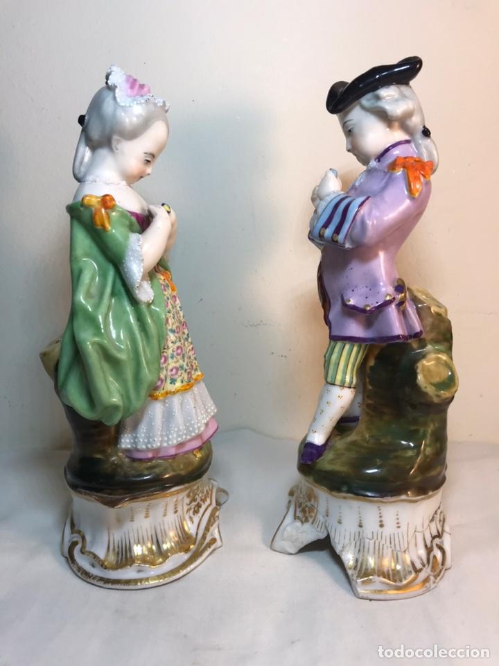 Antigüedades: 2 Figuras Porcelana-Francia-Viejo Paris- Violeteros- 21 cm - Foto 28 - 187184827