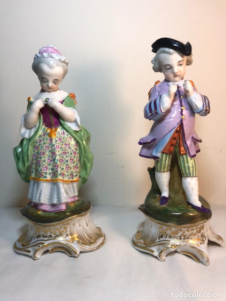 2 FIGURAS PORCELANA-FRANCIA-VIEJO PARIS- VIOLETEROS- 21 CM (Antigüedades - Porcelana y Cerámica - Francesa - Limoges)