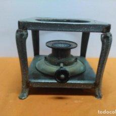 Antigüedades: ANTIGUO HORNILLO O INFIERNILLO DE PETRÓLEO, MARCA PRACTIC NUMERO 3, AÑOS 50. Lote 187197196