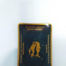 Antigüedades: BANDEJITA DEPÓSITOS DENTALES SERRA FARGAS 1966. Lote 187222650