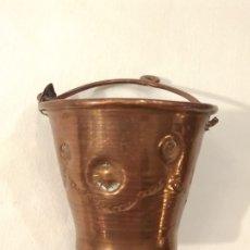 Antigüedades: CALDERO DE COBRE PARA BELÉN. DIÁMETRO BOCA 5,5 CM. ALTO 5 CM.. Lote 187305116