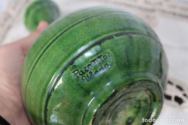 Antigüedades: JARRA FIRMADA EN CERAMICA ARTESANAL JARRON CERAMICA VERDE PACO TITO UBEDA, ALTURA 21 CM - Foto 3 - 187306042