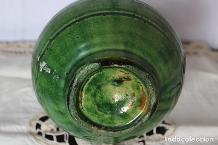 Antigüedades: JARRA FIRMADA EN CERAMICA ARTESANAL JARRON CERAMICA VERDE PACO TITO UBEDA, ALTURA 21 CM - Foto 6 - 187306042