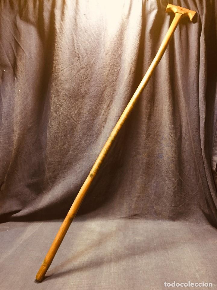 BASTON ETNICO PRINCIPIO SIGLO XX PATINA DE USO MOTIVOS ETNICOS MAURITANIA NIGER FORMA T (Antigüedades - Moda - Bastones Antiguos)