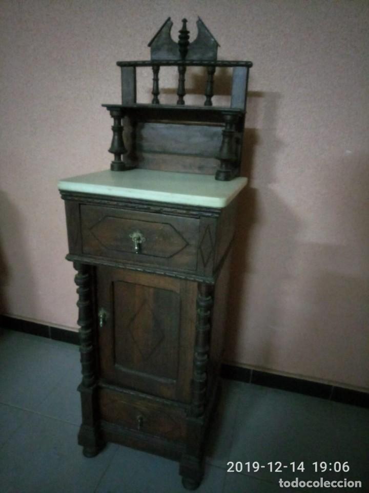 Antigüedades: ANTIGUA MESILLA DE MADERA Y TAPA DE MARMOL. - Foto 3 - 186452093