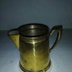 Antigüedades: JARRA DE METAL DORADO. Lote 187453446
